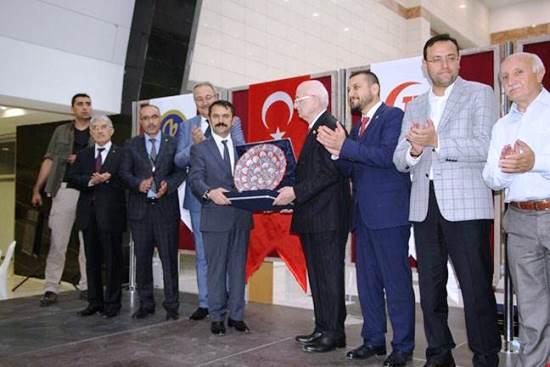 MECLİS BAŞKANI KAHRAMAN