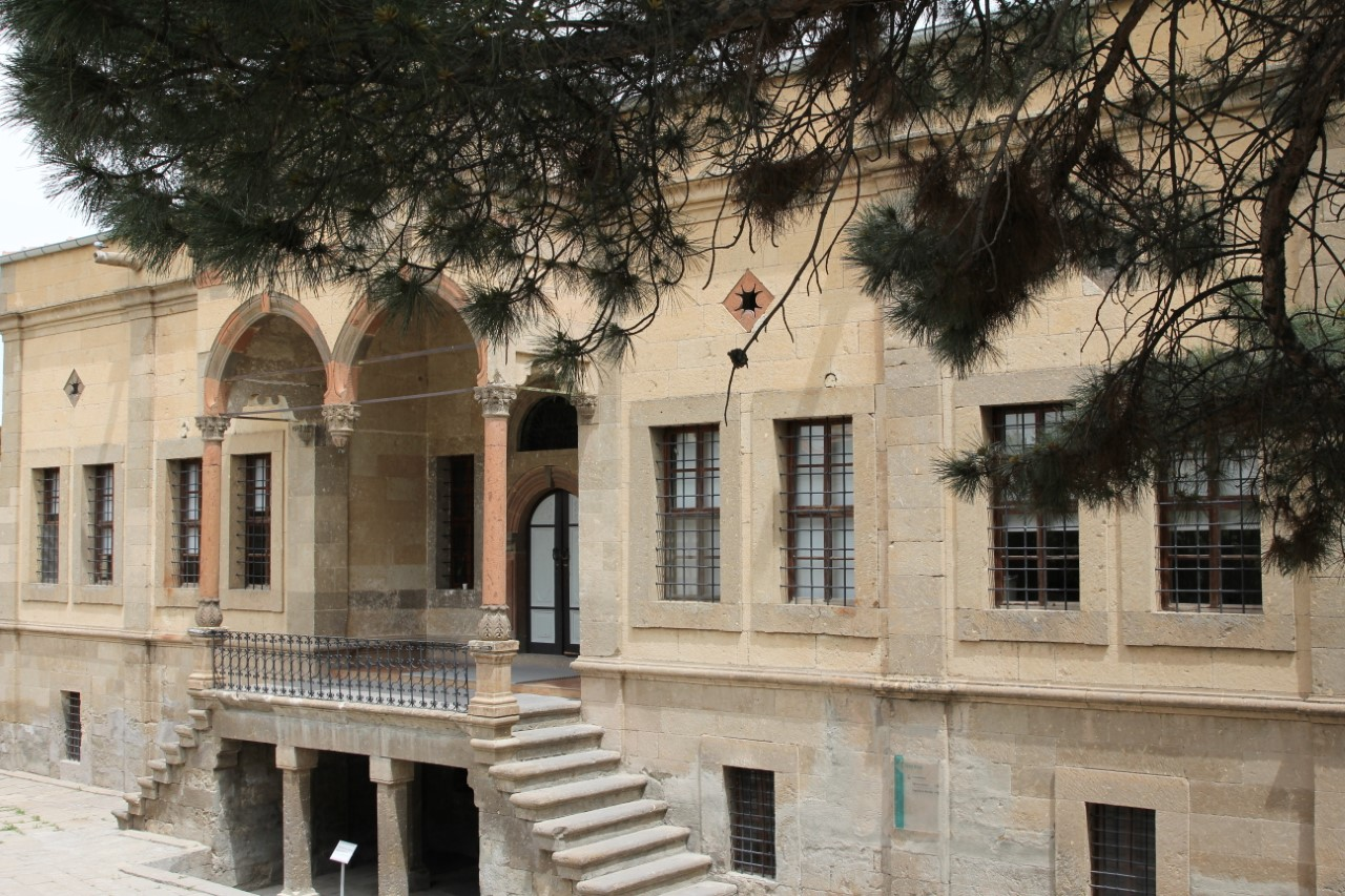kapadokya üniversitesi idari bina