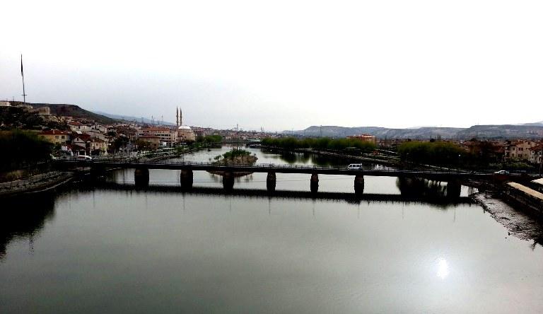 tas köprü